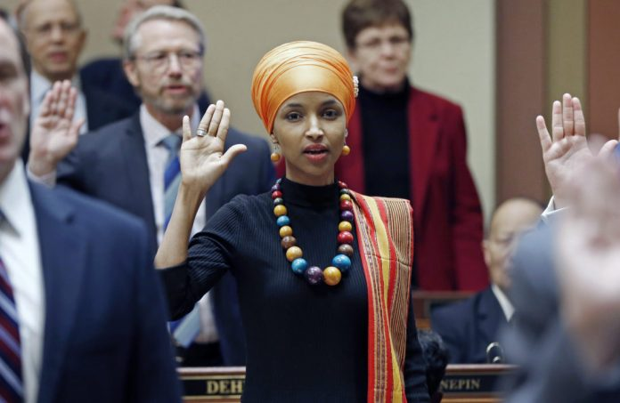 Ilhan Omar WINS to become the first Somali-American in Congress